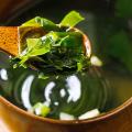 Délicieuse soupe de varech Bouillon d'algues séchées