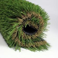 La hierba artificial verde impermeable al por mayor protegida uv para el jardín