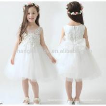 2016 a estrenar muchacha de flor viste el vestido blanco / de marfil de la comunión del desfile del partido verdadero