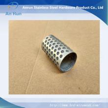 Filtre en métal perforé pour équipement textile