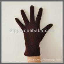 lady red woolen glove