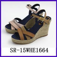 2015 La nueva señora caliente del diseño del wadge de la señora del zapato calza el zapato de la señora