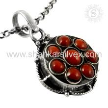 Rattling Coral Gemstone pendiente hecho a mano 925 joyería de plata esterlina India joyas en línea