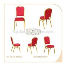 chaise de banquet superposée en métal usagé