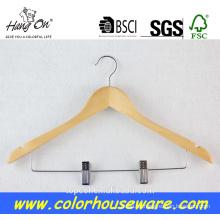 Percha madera con colgador madera de color natural clips