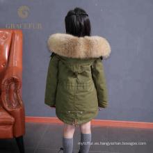 Acepta la parka del niño forrada de piel de mapache de la orden de encargo con el abrigo de invierno grueso de la capilla