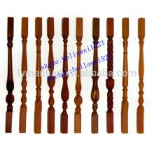 pilares de la escalera de madera de roble rojo tallado