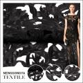Venta caliente elegante negro bordado diseños con tela de red