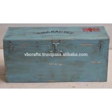 старинные ретро промышленные железо коробка