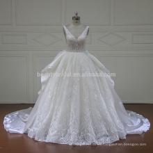 Vestido occidental gótico atractivo del vestido de bola de la boda del cordón del neckline profundo XF16096