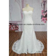 Schatz-Nixe-Hochzeits-Kleid-Elfenbein