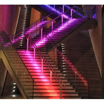 Luz led de escalera multicolor