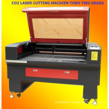 CO2 laser cutting machine with two hands