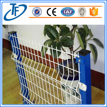 Hot sale Square Post Welded Wire Mesh Fence