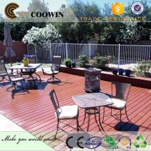 Holzkornbeschaffenheit wpc im Freienplattform, hellgraue Farbe Fußbodenmatte für privaten Garten, schön !!!!