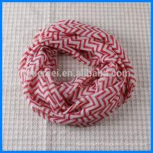 Echarpe imprimé en polyester chevron à l'infini