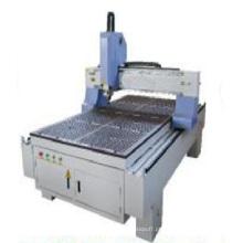 Máquina CNC para trabalhar madeira