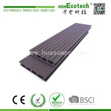 Plancher stratifié en bois anti-dérapant