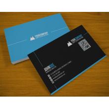 Kunststoff-Visitenkarten legen transparent ein