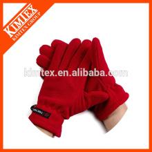 El cliente colorido hizo los guantes al por mayor del golf del paño grueso y suave