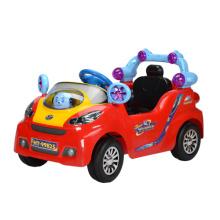 Поездка на автомобиле автомобилей дистанционного управления (HT-99823)
