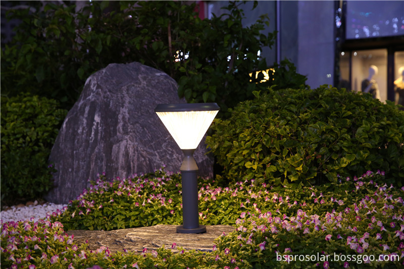 solar yard light dusk to dawn