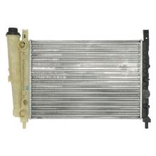Radiador de venta caliente para coche clásico de aluminio UNO