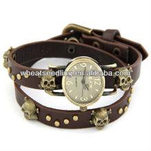 2014 Les plus récents 4 couleurs Classic Skull Design Lady Leather Bracelet montre hommes 2014