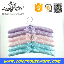 colorido raso percha para ropa