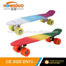 2016 skate de plástico de design novo, / placa de skate de peixe de venda quente