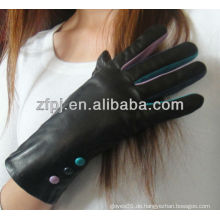 Mode Dame trägt Winter Handschuh Leder