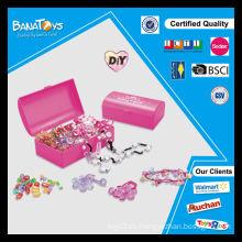 Juego de juguetes más nuevo de la muchacha diy con el grano plástico de la caja del pdq