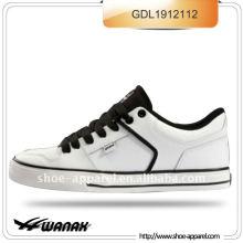 zapatos de skate vendedores calientes de la PU blanca