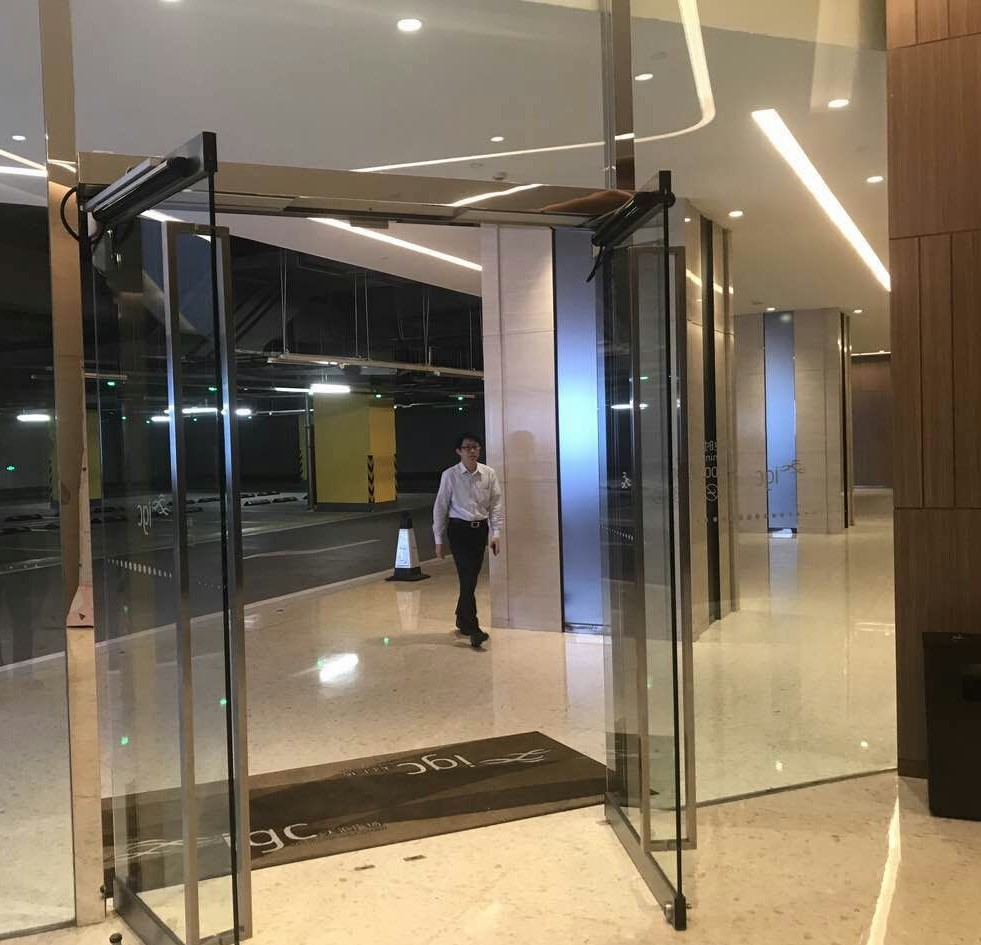 Aluminum Double Swing Door