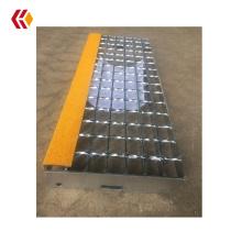 Galvanized stair treads anti slip with Yellow Abrasive Nosing