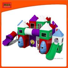 Маленькие детские крытые пластиковые игровые площадки