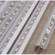 Tira de LED rígida com extrusão de alumínio