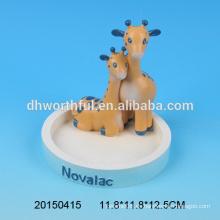 Figurita doble linda de las jirafas para la decoración casera, ornamentos de la oficina del polyresin para la venta