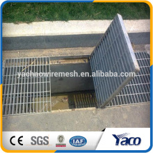 feuerverzinktes Gitterrost aus Stahl, Abflussdeckel draussen