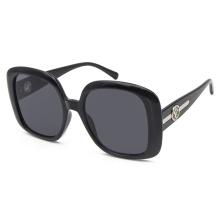 Солнцезащитные очки в дизайнерском стиле широких оттенков
