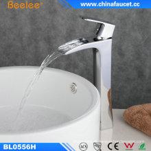Lavabo de baño Grifo de lavabo de agua Sanitario Wasserhahn