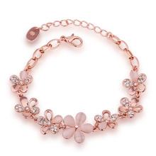 Art und Weise umweltfreundliches Rosen-Goldarmband-Kristallblumen-Form-hängendes Charme-Armband