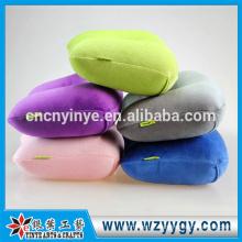 oreiller gonflable de plage serviette