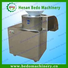 Microplaquetas de batata que limpam a máquina de corte das microplaquetas de batata do cortador da casca