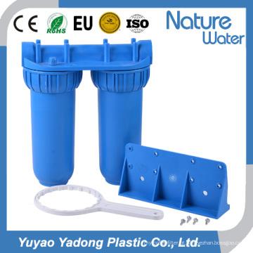 Filtro de água azul duplo na linha