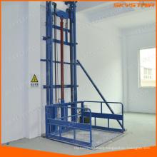 Elevator lift for pallet transport