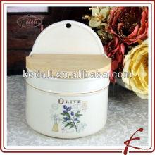 Pots de stockage en céramique et collection d'olive avec couvercles