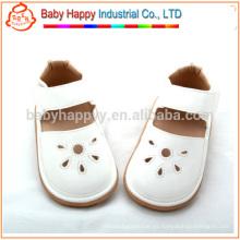 Los niños blancos al por mayor chillan el zapato de bebé de la PU de las sandalias de los zapatos