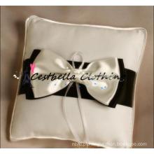 2015 Mais recente acessório nupcial arco anel travesseiro mancha anel travesseiro branco travesseiro casamento alça almofada do portador