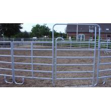 Лошадь провода на колхозных полях, сделанные в Китае